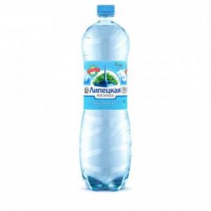 Вода минеральная природная питьевая столовая Липецкая лайт газ ПЭТ 1.5л Росинка