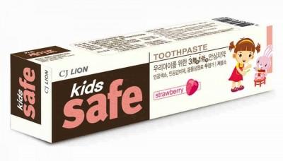 Детская зубная паста со вкусом клубники от 3-х лет Kids Safe 90г CJ Lion